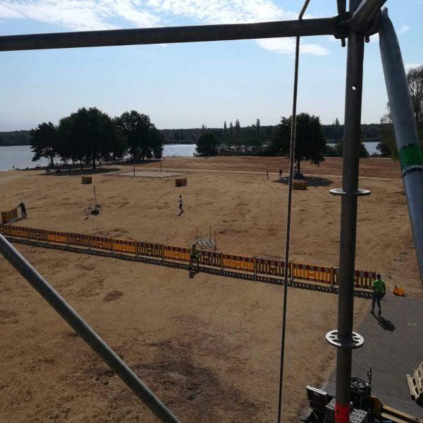 Aufbau: Blick vom Tower auf die Wechselzone